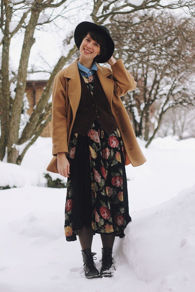 camel peacoat thrifted coat - black floral Rebel Closet dress