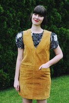 black Fight for Flight dress - mustard suede pinafore Omnia Vintage dress