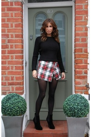 red skorts Topshop shorts - black ankle boots Office boots