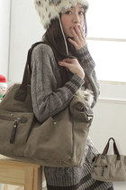 Traveler's Canvas Bag - Beige