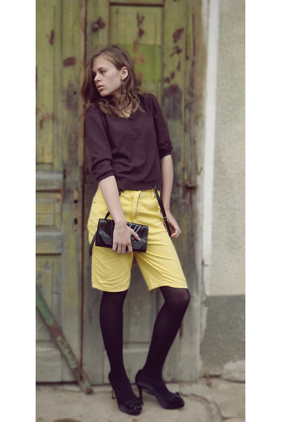 yellow JF GEE shorts - dark brown Marks &amp; Spencer top