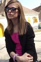 random brand sweater - MISS WEII jeans - random brand sunglasses