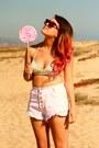 Retro-sunglasses-white-chicago-shoes-pink-retro-thrift-shorts