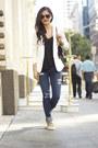 Blue-american-eagle-jeans-white-h-m-blazer-black-chanel-bag