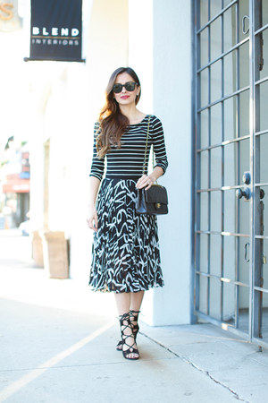 black Chanel bag - black Topshop skirt - black Choies heels