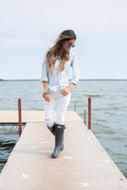 black Hunter boots - white Topshop jeans - sky blue ray-ban sunglasses