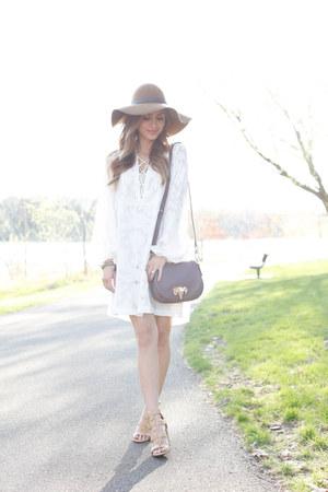 camel JCPenney heels - white H&M dress - camel H&M hat - crimson C Wonder bag