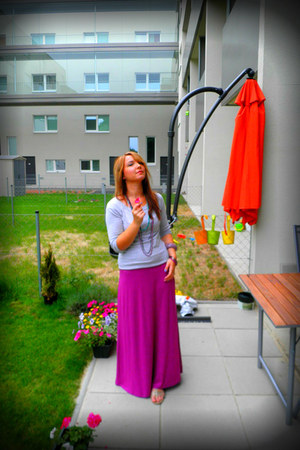 Claires necklace - magenta maxi dress New Yorker hoodie
