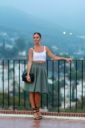 gray BLANCO skirt - black high heels BLANCO heels