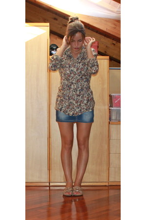 beige floral intimissimi blouse - brown homemade hair accessory