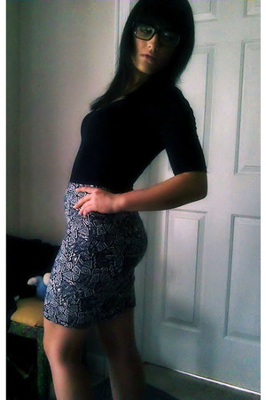 Forever 21 glasses - Forever 21 bodysuit - Forever 21 skirt