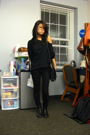 American Apparel sweater - forever 21 jeans - thrifted shoes - coach purse