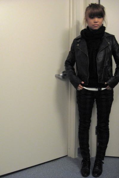 Urban Outfitters jacket - H&M scarf - thrifted shoes