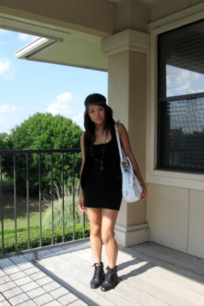 BDG vest - H&M dress - thrifted shoes - Gryson for Target purse