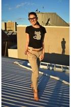black black tee Ladkah t-shirt - camel neautral pants Zara pants