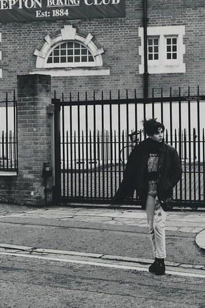 Joy Division shirt - Vans jeans
