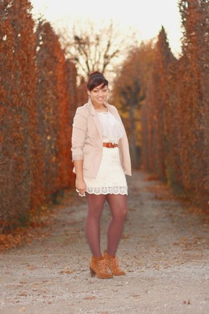 leather Catwalk shoes - beige H&M blazer - brown Calzedonia tights