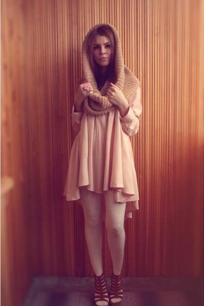 neutral H&M dress - camel handmade scarf - bubble gum marmalato ring - bronze bo