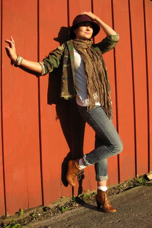 green thrifted jacket - white f21 t-shirt - blue f21 jeans - brown Aldo shoes -