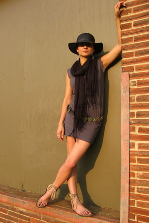 black vintage hat - beige ann demeulemeester shoes - gray American Apparel dress