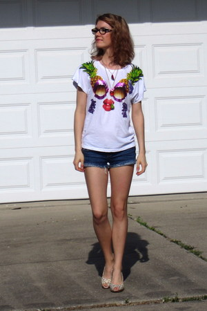 H&M shirt - hollister shorts - Tamaris heels