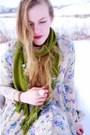 Crimson-vintage-dress-olive-green-target-scarf