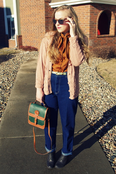 navy vintage jeans - forest green Dooney and Bourke bag
