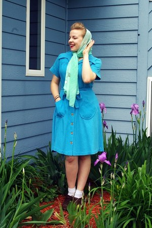 sky blue vintage dress