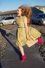 Light-yellow-vintage-dress-hot-pink-thrifted-wedges