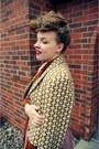 Light-brown-vintage-jacket-pink-swapped-skirt-crimson-payless-heels