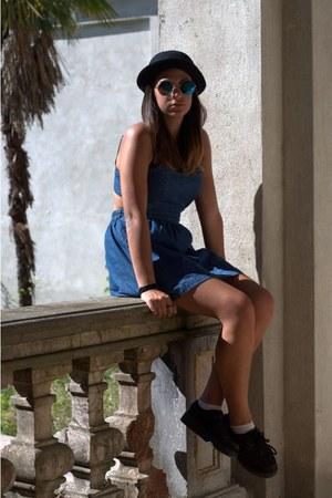 black shoes - turquoise blue jeans dress - black hat - sunglasses