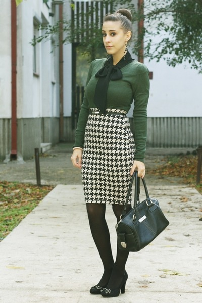 gray H&M skirt - black Graceland shoes - black Mona bag
