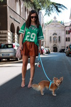 dark brown Zara shorts - nude Miu Miu bag - nude Zara sandals