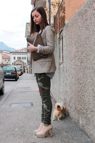 camel imperial jacket - heather gray tezenis sweater - olive green Zara pants