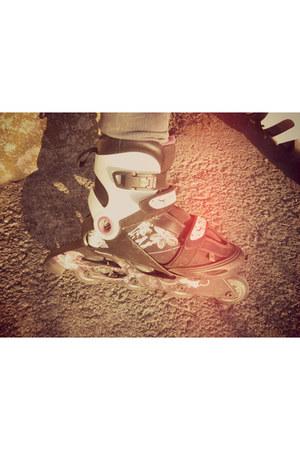 rollerskate Oxelo shoes