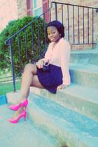 hot pink heels - black bag - light pink vintage blouse - navy pleated skirt