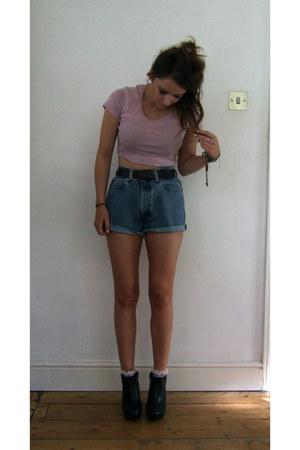 black leather Topshop boots - pink cotton Topshop t-shirt