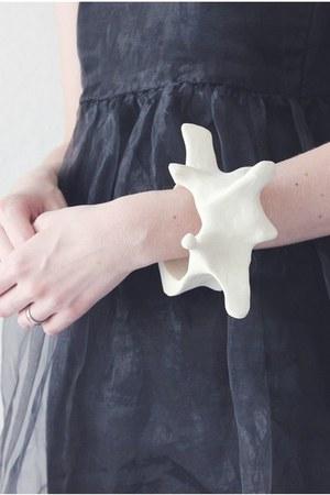 OS bracelet