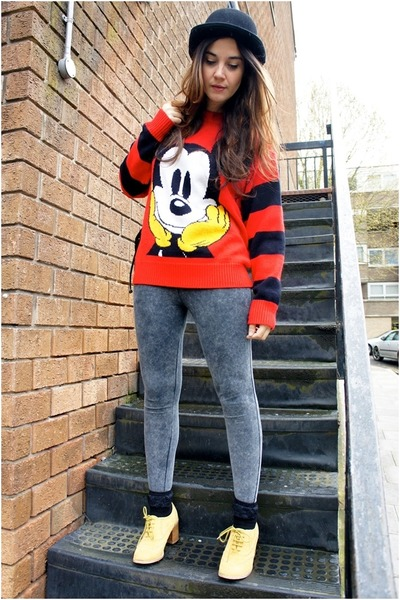 red vintage jumper - black asos hat - gray Primark leggings