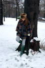 Forest-green-hunter-boots-dark-brown-topshop-hat-burnt-orange-topshop-cape