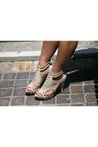 Pour La Victoire shoes