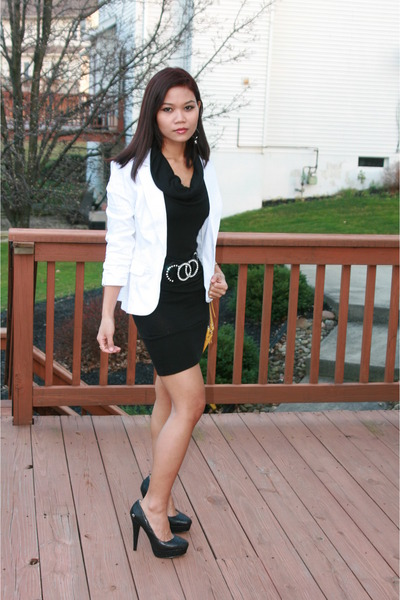 White Blazer With Black Dress - Best Blazer 2017