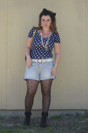Forever 21 top - American Eagle shorts - Forever 21 boots - F21Newlook accessori