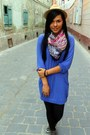 Beige-hat-black-leggings-hot-pink-scarf-blue-blouse