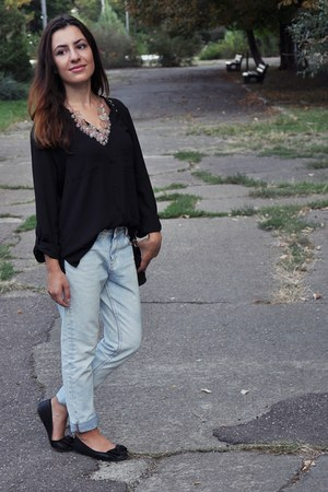 black H&M shirt - light blue Zara jeans - black H&M flats