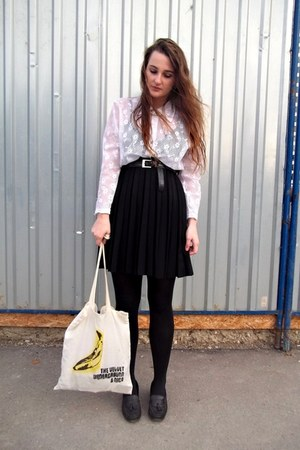 second hand skirt - second hand shoes - DIY bag