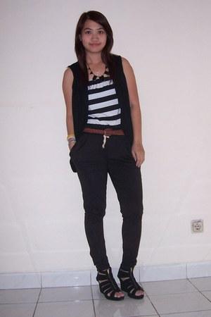 black wedges - black jumpsuit pants