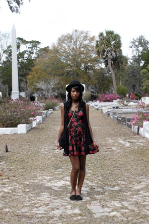 black rose printed Hot Topic dress - black bowler hat Deena & Ozzy hat