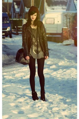 Topshop vest - Beechfield hat - Zara jacket - H&M bag - new look wedges