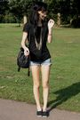 Black-decatholon-plims-shoes-blue-diy-shorts-black-pull-bear-top